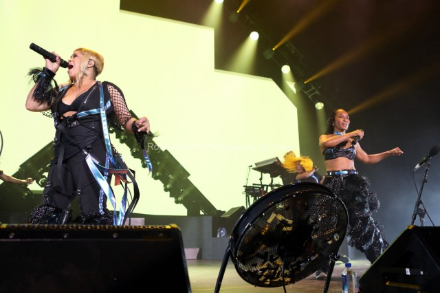 TLC performing for crowd.